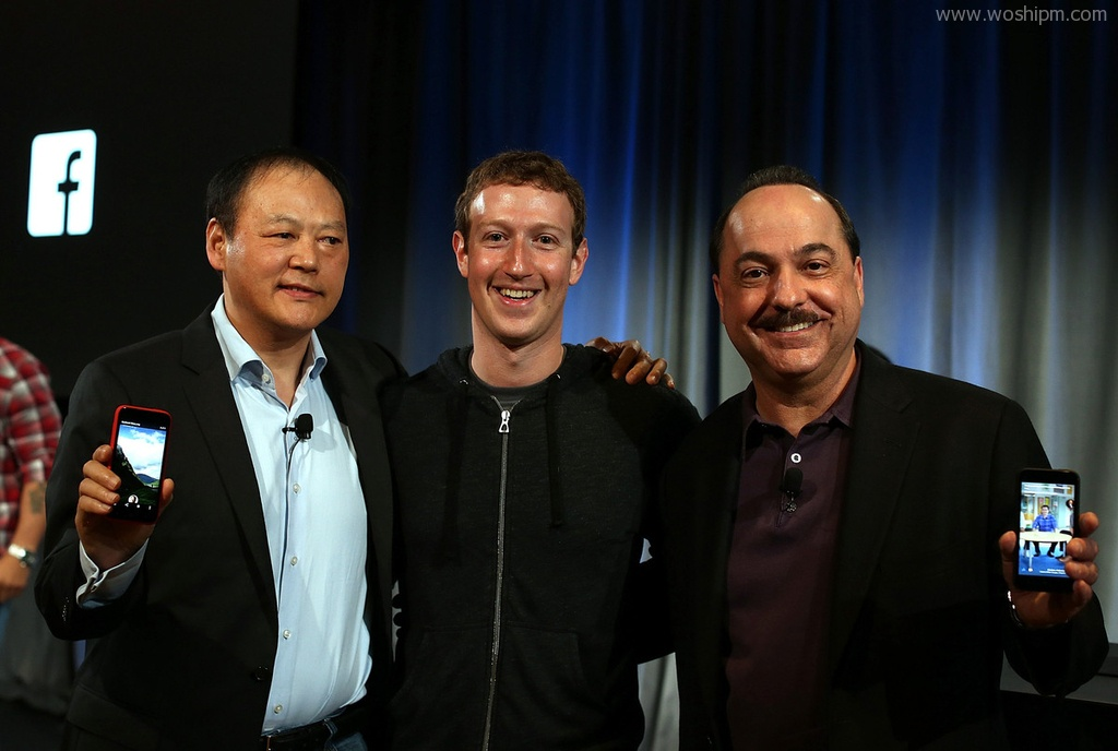 Facebook发布社交桌面Home。高清图看看它怎么突出人与联系