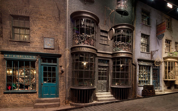 DiagonAlley2-1024x576