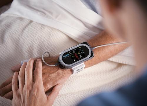 可穿戴设备再思考:手环手表降温 医疗健康领域现机遇