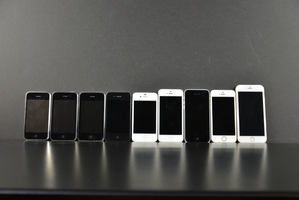 apple-iphone-6-mockup-42