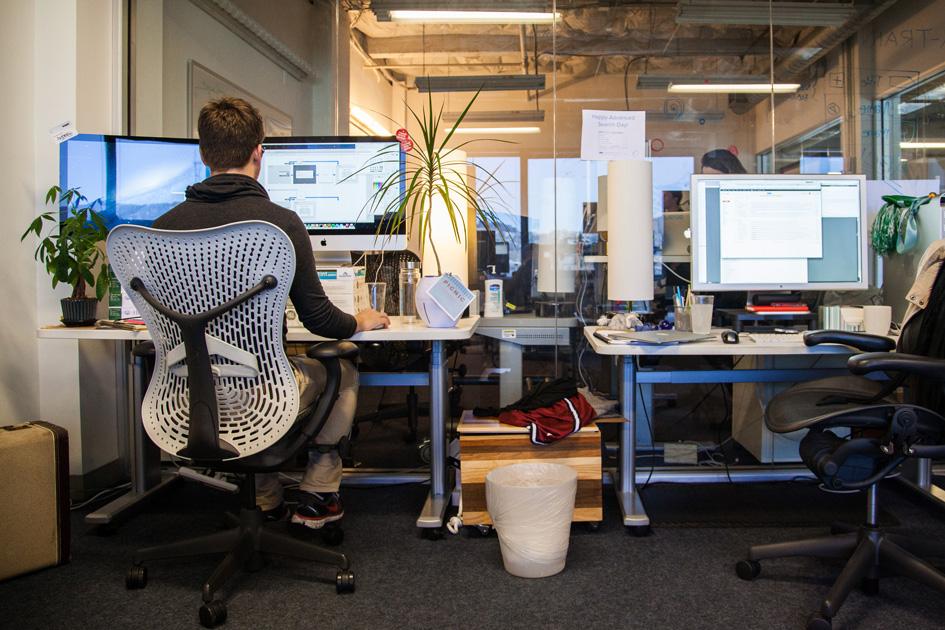 AW-work-desk