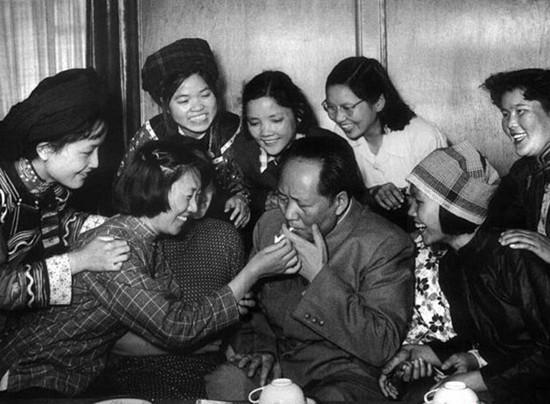 毛泽东抽烟