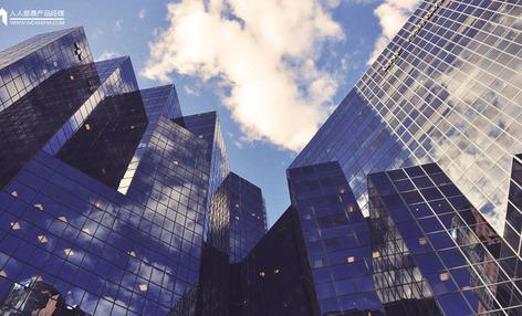 进击的平台:为什么传统大企业会被颠覆?