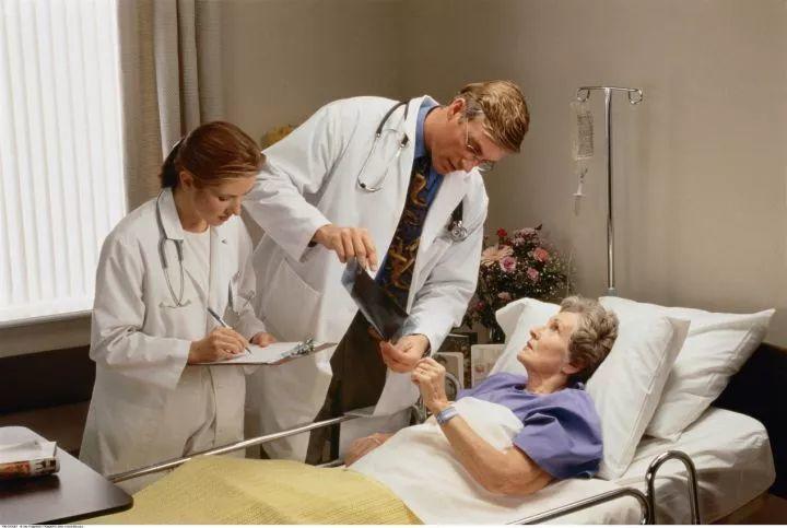 稀缺的医疗资源,使得一对一的医疗关怀可望而不可即