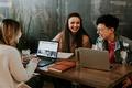 """大学生在线职业教育平台""""HiU""""的产品需求文档"""