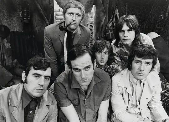 """微信""""拍一拍"""":一个从 1971 年讲起的故事"""