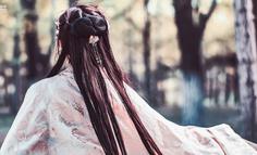 """從名媛拼單寶格麗,到JK、漢服、Lolita,背后隱藏著的只是""""圈層差異"""""""