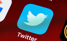 Twitter十五周年:与名人、记者和假消息的故事未完待续